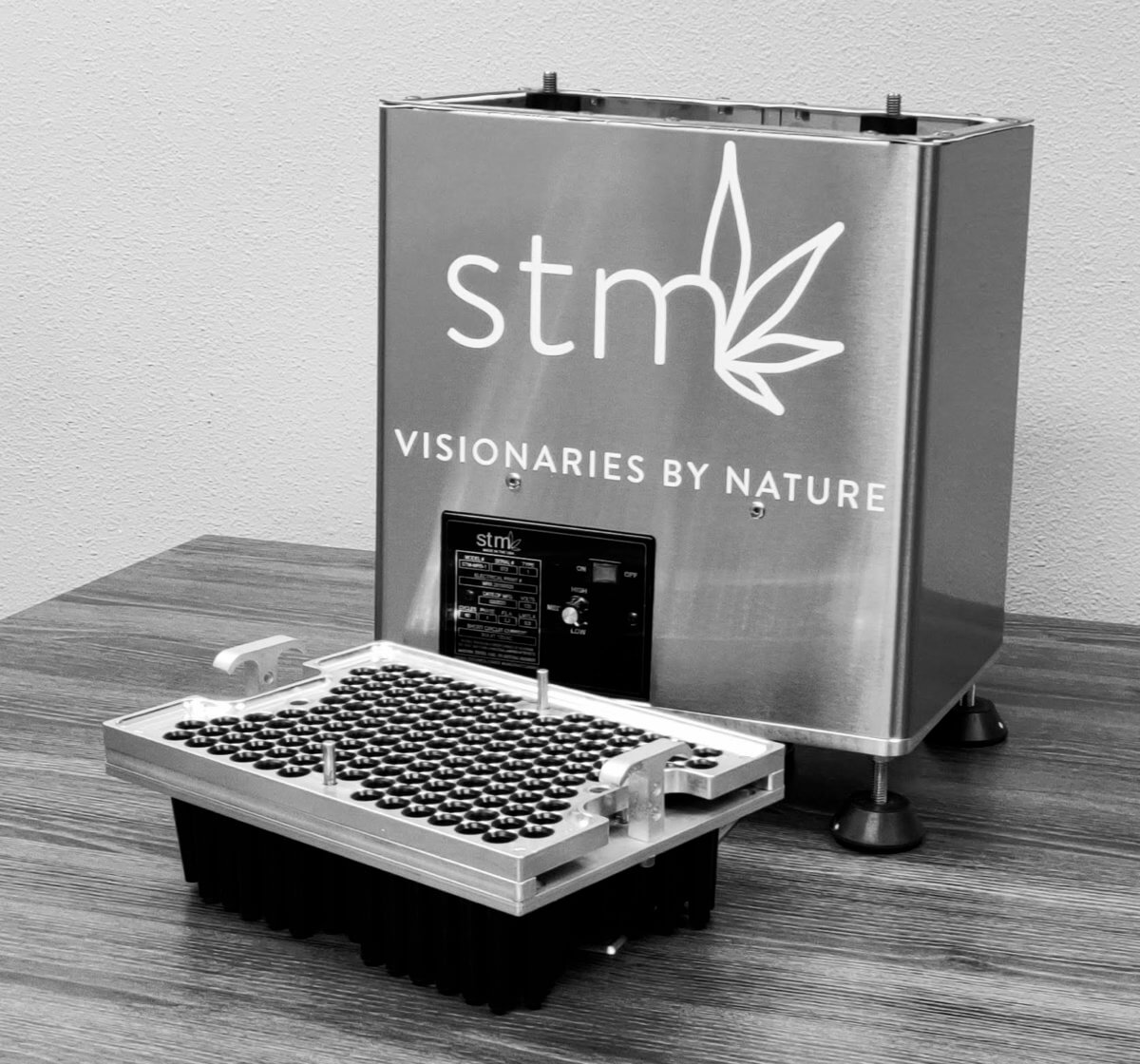 STM Canna Announces the Launch of Mini RocketBox Pre-Roll Machine
